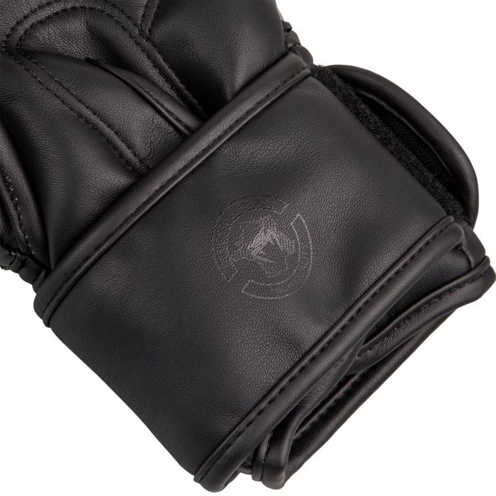 5cde806894cfb_boxerske.rukavice.challenger.3.0.venum.cerno.detail.3