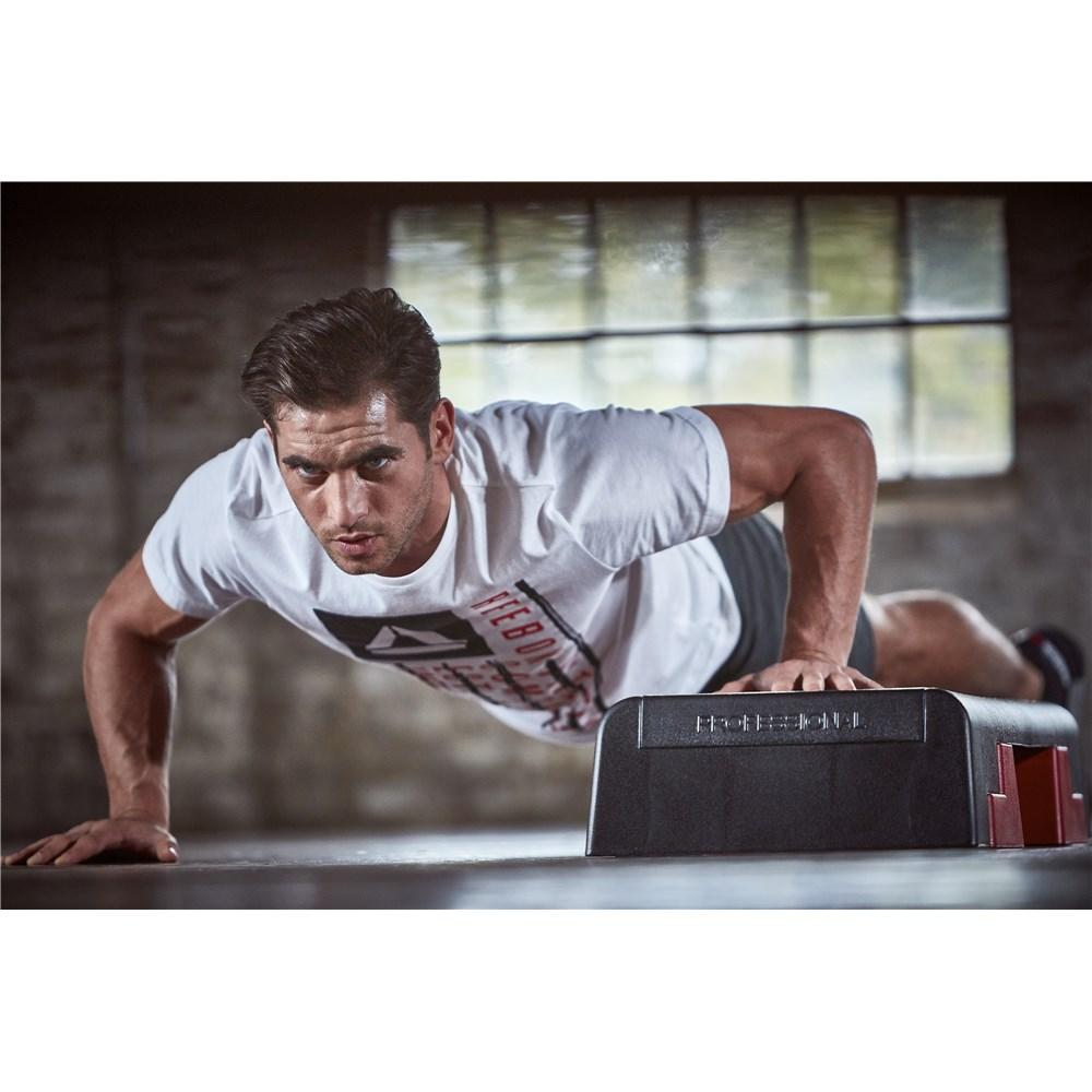 5d13212d801e5_reebok.step.professional.workout.1