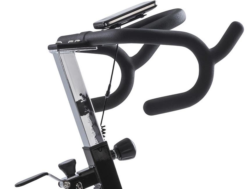 Cyklotrenažér Tunturi FitRace 40 HR nastavení řidítek