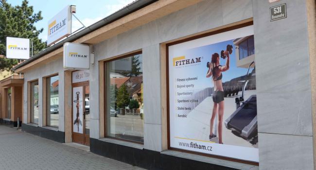Prodejna Fitham Brno boční pohled