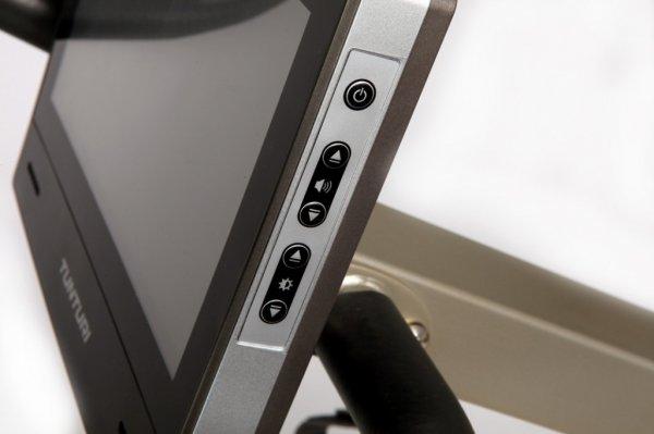 Prostor pro USB na LCD displeji u posilovacího stroje TUNTURI PURE BIKE R 10.0