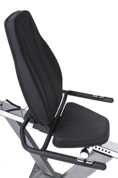 Pohodlné sedadlo u recumbentu Tunturi go bike 30