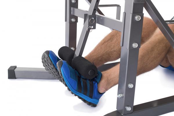 Posilovací lavice na břicho TRINFIT Power Tower zapření nohoug