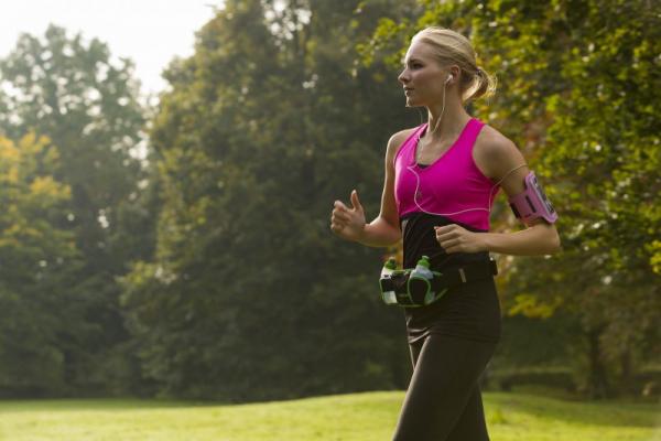 Sportovní ledvinka TUNTURI Running belt workout 2