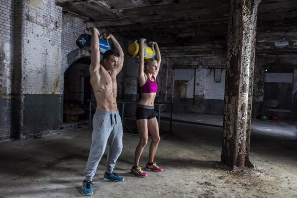 Zátěžový vak Strengthbag TUNTURI workout 1