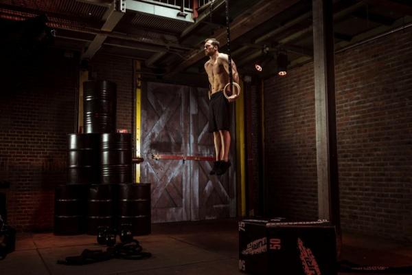 Gymnastické kruhy dřevěné TUNTURI prům 23 cm, 28 mm