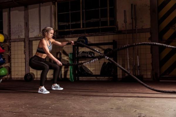 Posilovací lano Battle Rope TUNTURI Pro v obalu woman