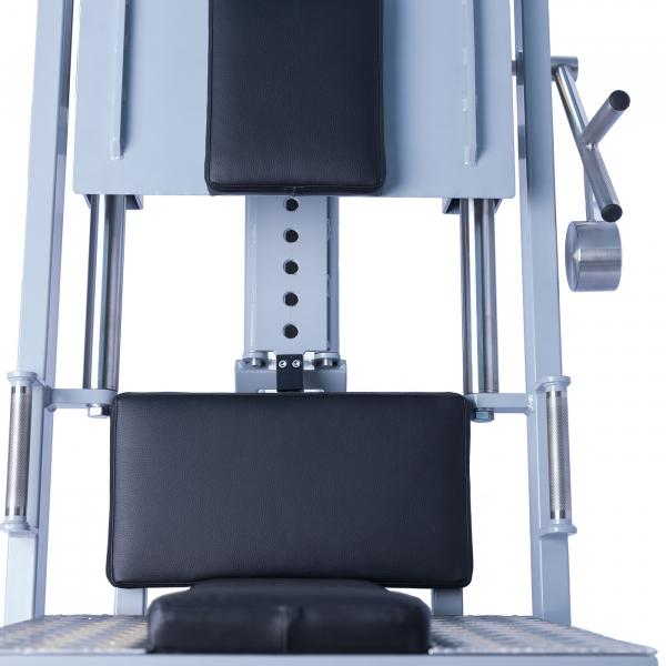 Legpress hacken a dřep kombinovaný na cihly rozsah pohybu
