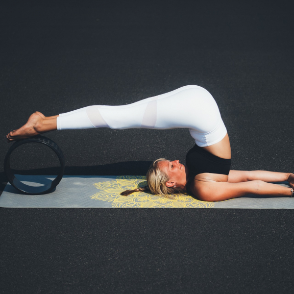 Jóga kolečko yoga wheel EVA TUNTURI černé 33 cm workout 2