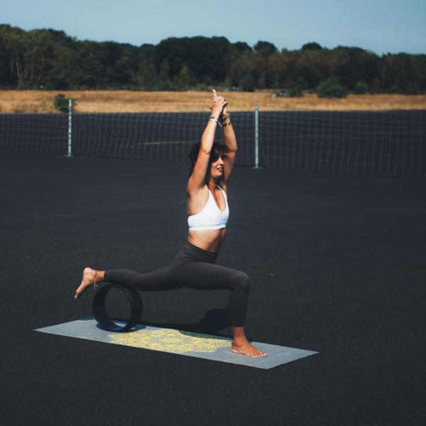 Jóga kolečko yoga wheel EVA TUNTURI černé 33 cm workout