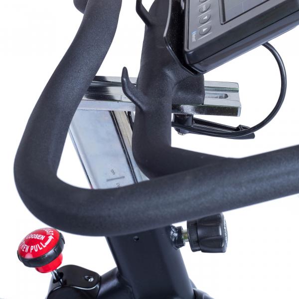 Cyklotrenažér HouseFit Racer 70 iTrain_držák tabletu