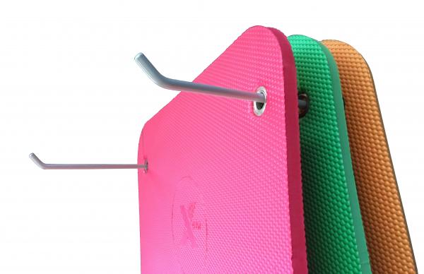 X-GYM držák na podložky 50 cm - pohled s podložkami 3