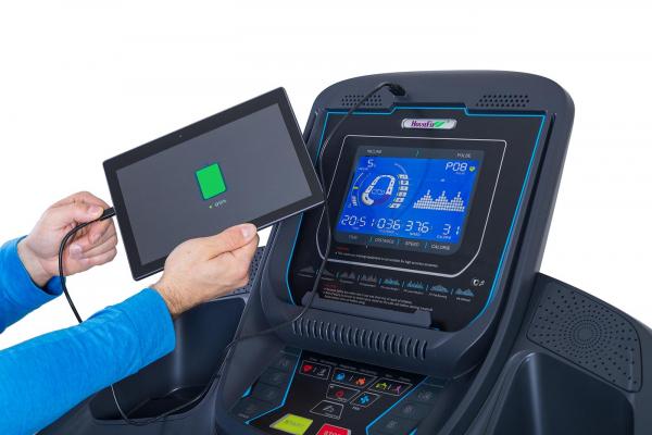 Běžecký pás Housefit Spiro 90 iRun nabíjení tabletu přes USB