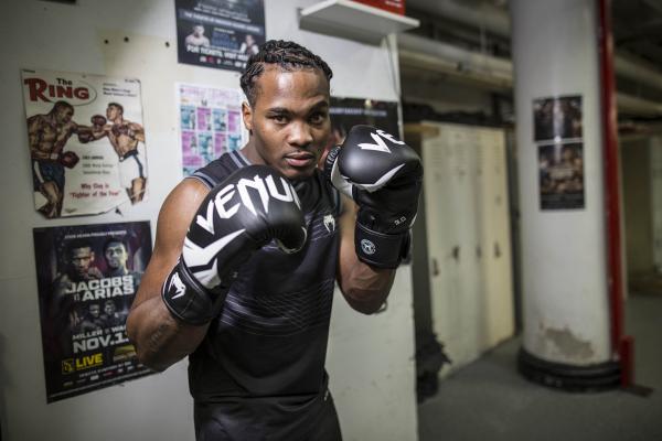 VENUM boxerské rukavice Challenger 3.0 černá bílá - promo