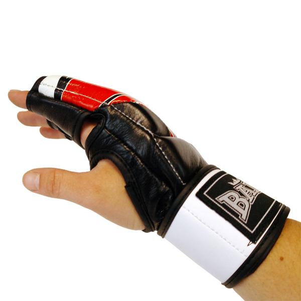 MMA rukavice Red Flame BAIL hand