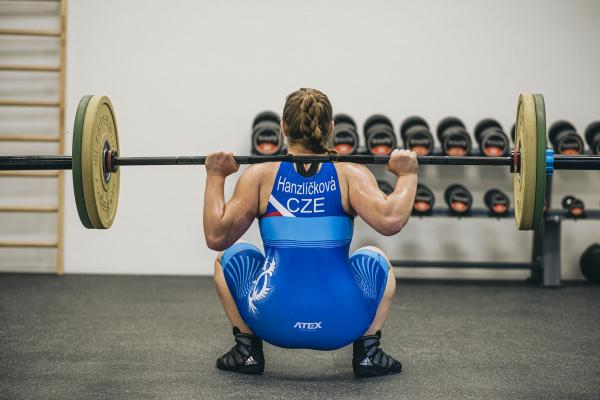Olympijská činka TRINFIT 80 kg promo 4
