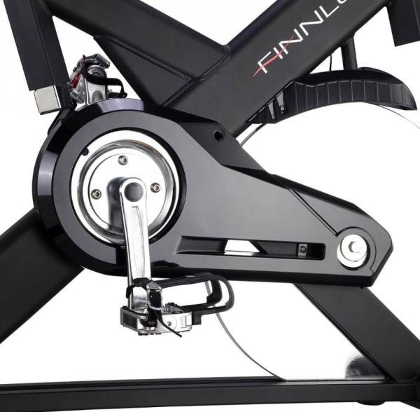 Cyklotrenažér FINNLO Speed Bike CRS III Detail šlapek