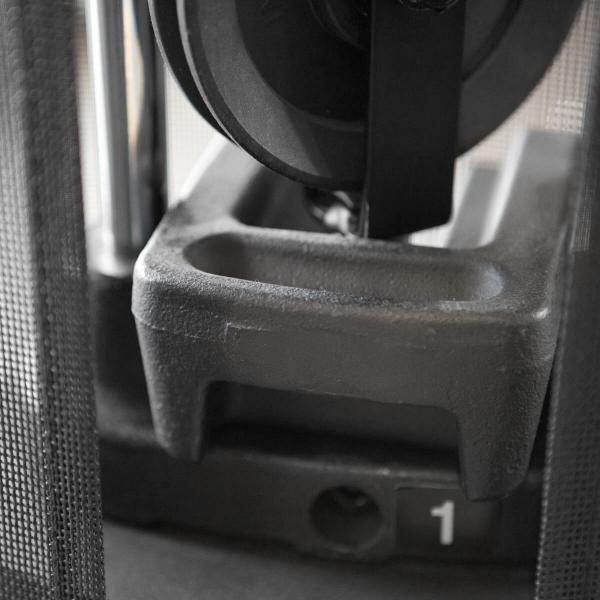 Přídavné závaží Finnlo Maximum 2,5 kg na stroji detail