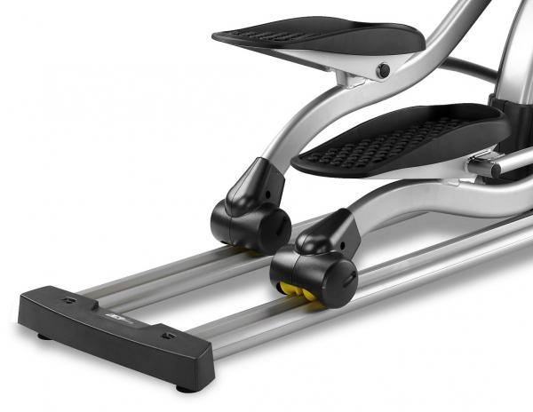 Eliptický trenažér BH Fitness LK8150 Smart pojezd