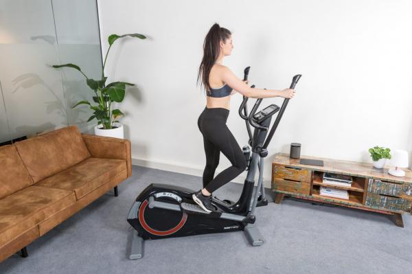 Eliptický trenažér Flow Fitness DCT2500i promo fotka 1