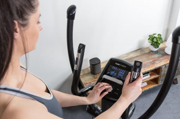Eliptický trenažér Flow Fitness DCT2500i promo fotka 4