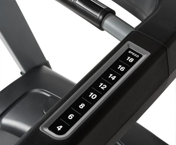 Běžecký pás FLOW Fitness DTM2500 tlačítka rychlého nastavení