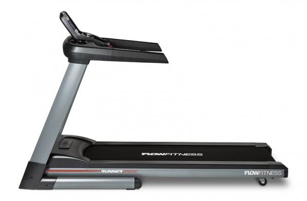 Běžecký pás FLOW Fitness DTM2500 z boku