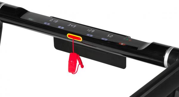 Běžecký pás FLOW Fitness DTM300i počítač