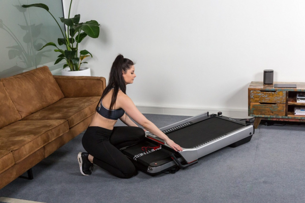 Běžecký pás FLOW Fitness DTM400i promo fotka 4