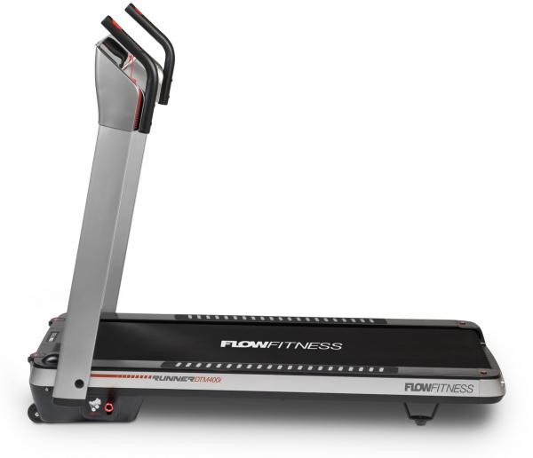 Běžecký pás FLOW Fitness DTM400i z boku