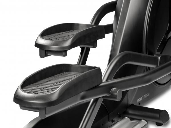 Eliptický trenažér Flow Fitness CF5i Pro Line prostorné pedály