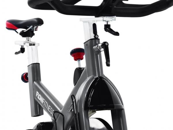 Cyklotrenažér Flow Fitness DSB600i detail zepředu