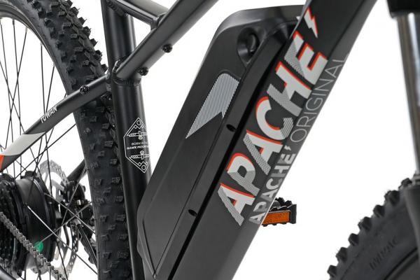 APACHE Tuwan E4 pearl black 2020 baterie1