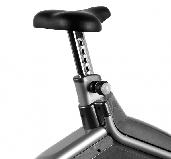 Rotoped BH Fitness SK8000 sedlo