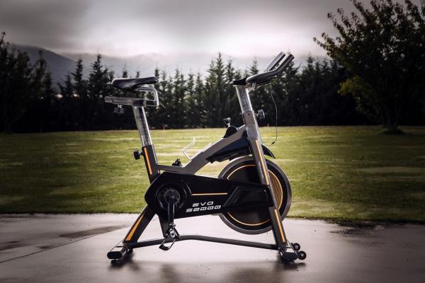 Cyklotrenažér BH FITNESS EVO S2000 promo 3