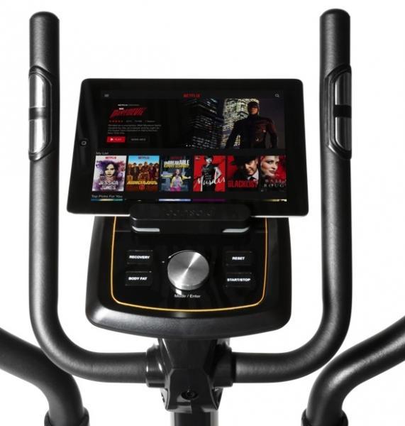 Eliptický trenažér Flow Fitness Avoriaz držák na tablet