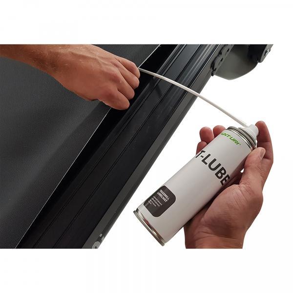 Mazací olej pro běžecké pásy Treadmill lubricant 200 ml TUNTURI aplikace