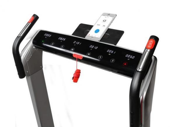 Běžecký pás FLOW Fitness DTM400i app 2