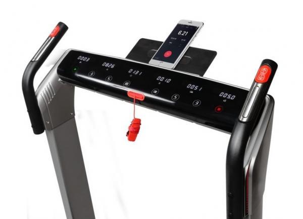Běžecký pás FLOW Fitness DTM400i app 3