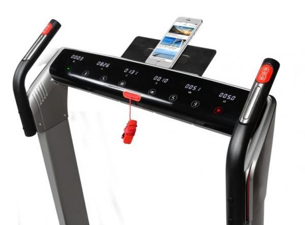Běžecký pás FLOW Fitness DTM400i app